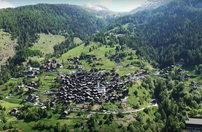 albinen-50000-euros-por-vivir-en-este-pueblo-de-suiza